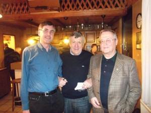 Jürgen Mengler mit dem neuen Geschäftsführer Ulli Grossler und seinem Vorgänger Dieter Stolz (v.l.)