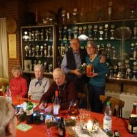Weihnachtsfeier 2015 Übungsleiter Hans-Dieter Splettstösser und Ingrid Oelfke
