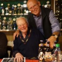 Weihnachtsfeier 2015 Gewinner Wilfried Rempe mit Seppl Splettstösser